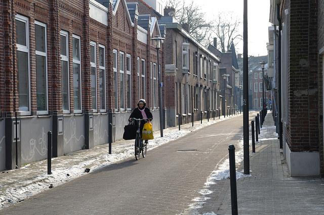 Ook in de winter doen mensen hun boodschappen met de fiets. Foto: Mobycon