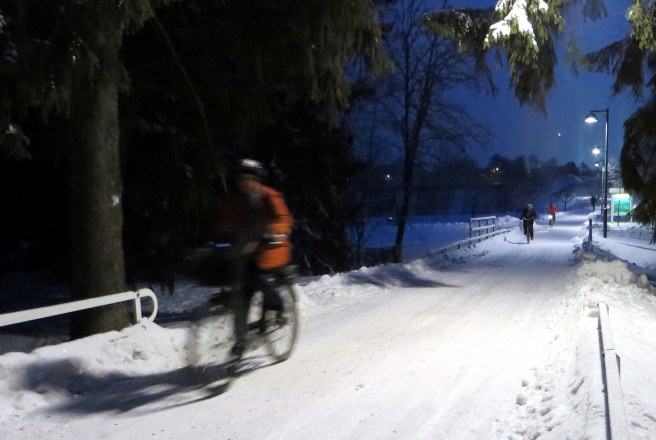 When sitting in traffic, Tom Babin found winter cycling was not only possible, it was actually enjoyable. Photo by Jukka Talvi.