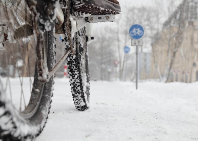 Sneeuw houdt fietsers in het buitengebied niet tegen. Foto: Shutterstock