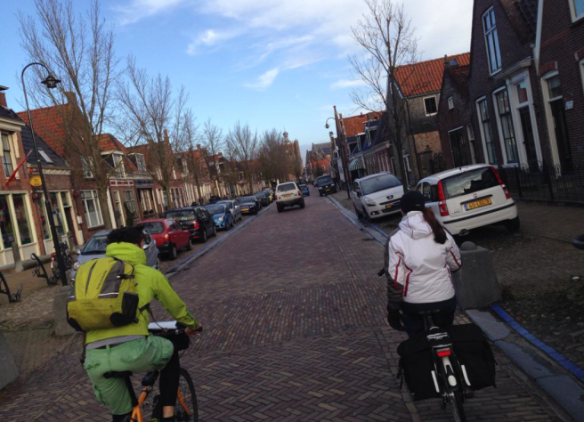 Winter cycling in Fryslân. Photo by Angela van der Kloof.